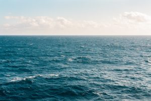 لماذا تفيض بعض المناطق الساحلية أكثر من غيرها؟