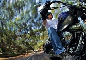 كيف تلتقط صورًا جيدة للمركبات المتحركة؟