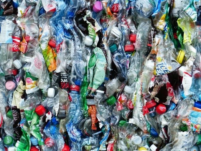 إليكم هذه الرسوم البيانية لإدراك فداحة النفايات البلاستيكية الهائلة