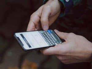 عشر حيل بسيطة للحد من صخب مجموعات الدردشة على هاتفك الذكي