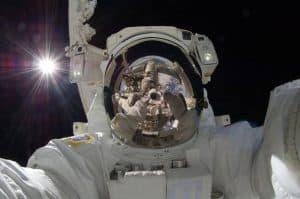 السفر إلى الفضاء ينشّط فيروس الهربس الكامن داخل الجسم