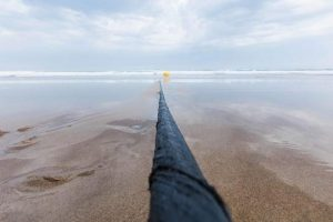 أكبر سرعة نقل بيانات يحققها كابل اتصالات بحري يزن أكثر من 4000 طن
