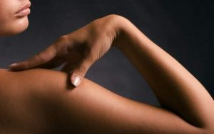 استخدام الميلانين الموجود في بشرتنا في صناعة الإلكترونيات الحيوية