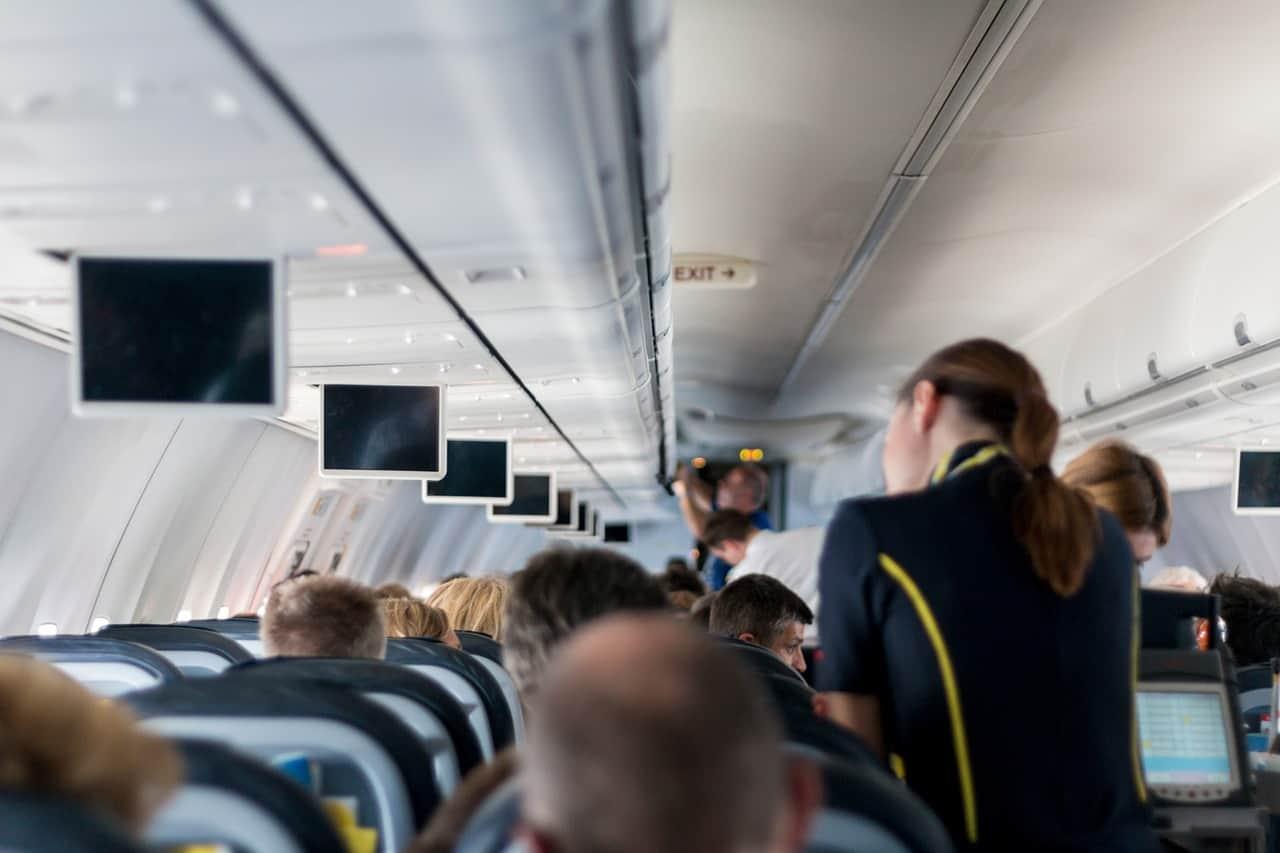 لماذا يبكي بعض المسافرين على متن الرحلات الجوية؟