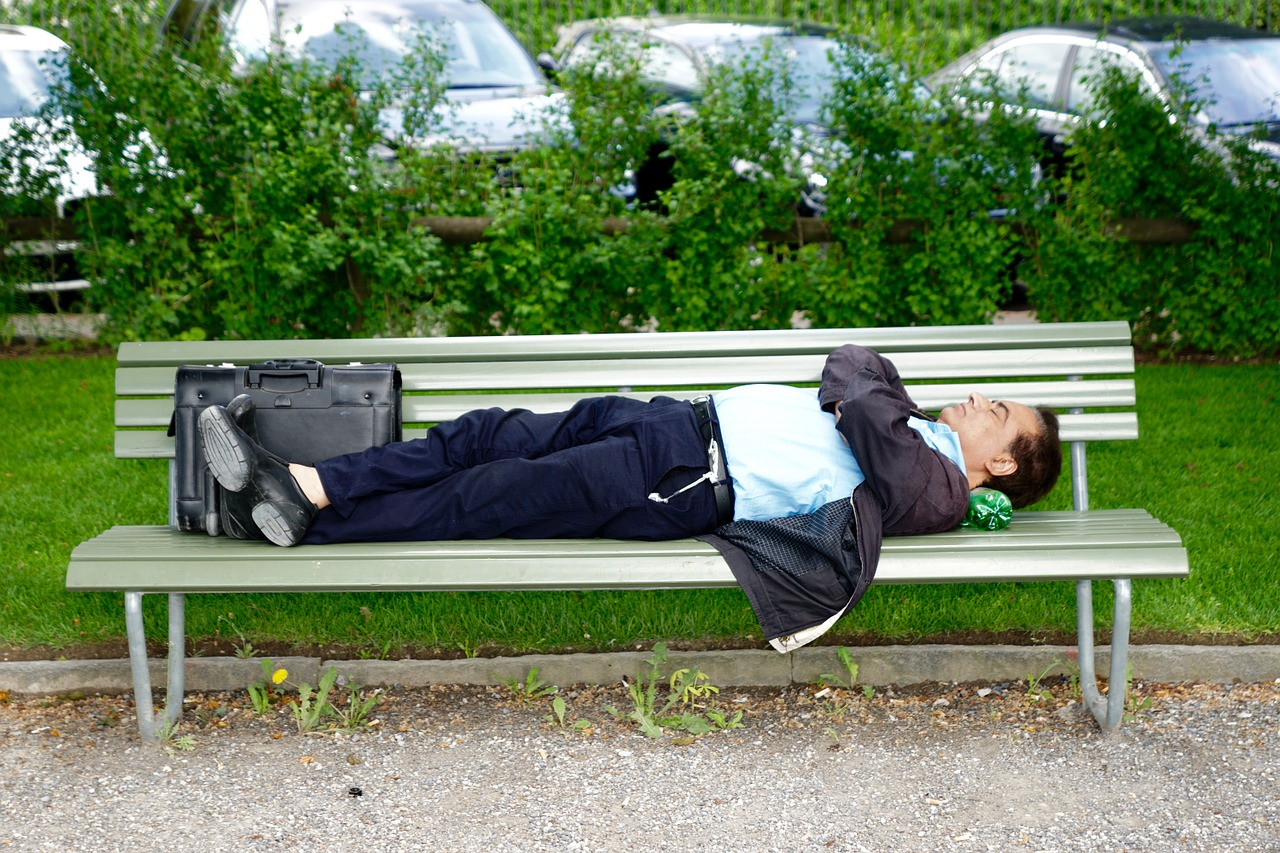 4 اعتقادات خاطئة عن النوم