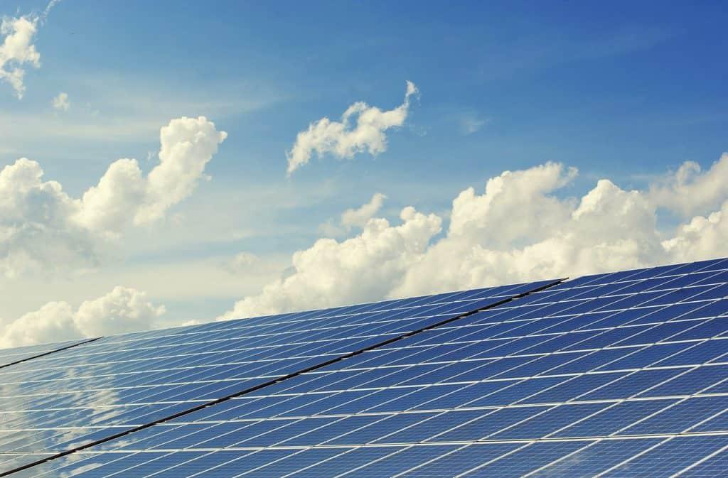 الاستثمار في الطاقة المتجددة أكثر جدوى للمناخ من احتجاز الكربون
