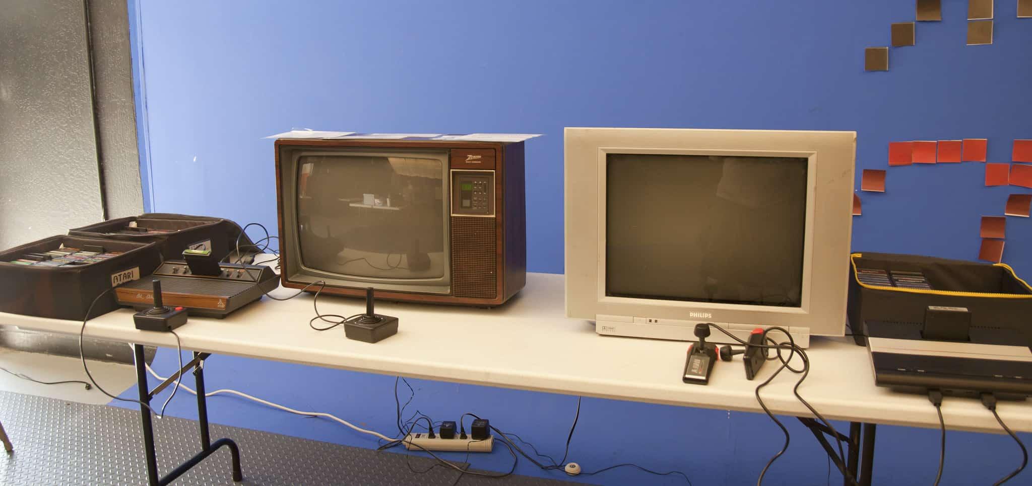 6 تقنيات شكلت طفولتنا التكنولوجية