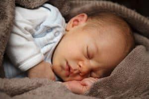 مضاعفات جديدة لفيروس «زيكا» على الأطفال الرضّع