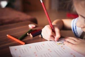 الآباء والمدرسة: هذا ما يجب معرفته عن حوادث الارتجاج الدماغي للأطفال