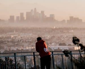 كيف يتسبب تلوث الهواء في زيادة خطورة جائحة فيروس كورونا؟
