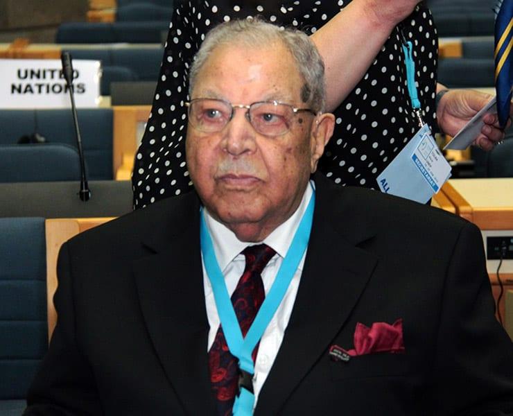 تعرف على مصطفى كمال طلبة: المدير السابق لبرنامج البيئة التابع للأمم المتحدة