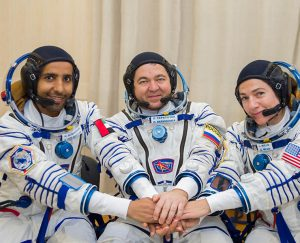 هزاع المنصوري: أول رائد فضاء إماراتي يستعد للانطلاق نحو الفضاء