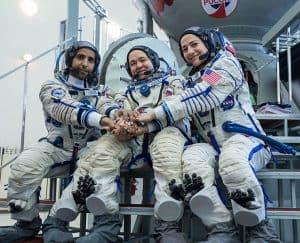 نجاح إطلاق الرحلة الفضائية التي تحمل «هزاع المنصوري» إلى محطة الفضاء الدولية