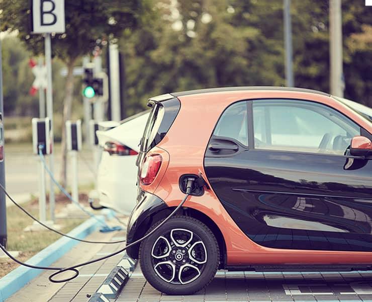 من أجل البيئة: إعادة التدوير هامة في صناعة السيارات الكهربائية
