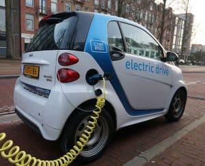 هل تضر السيارات الكهربائية بالمناخ؟