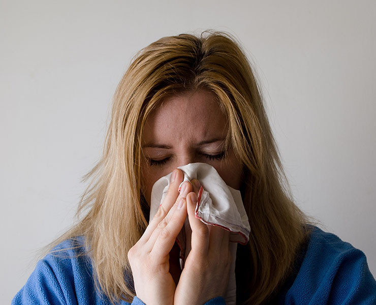 لماذا تنتشر الأنفلونزا في الطقس الدافئ؟