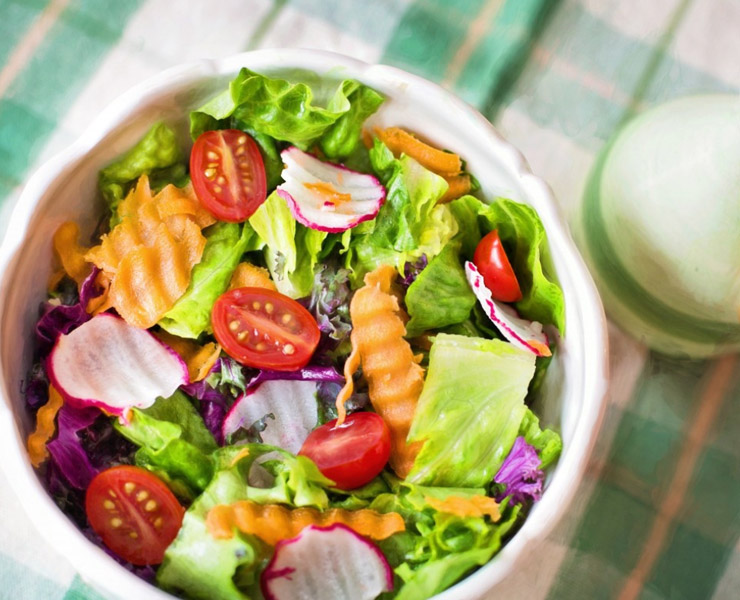 هل اتباع نظام غذائي نباتي ينعكس سلباً على صحة عظامك؟