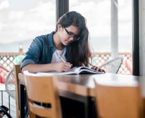 6 نصائح لأداء الواجبات المنزلية بشكل أفضل