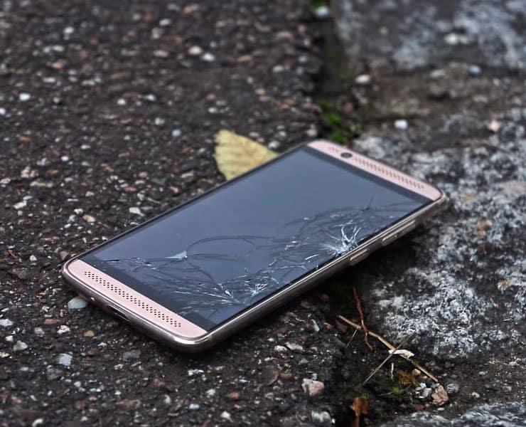 بإلهام من «وولفرين» ستعيد الهواتف إصلاح شاشاتها ذاتياً