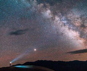 أسئلة منتصف الليل: ما هو شكل الكون؟