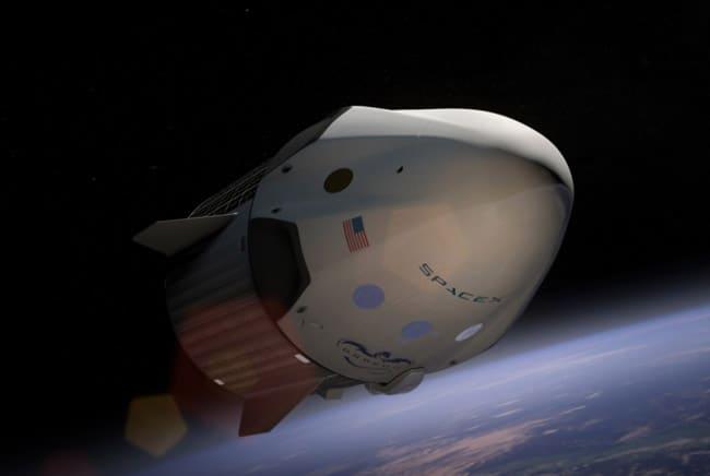 «سبيس إكس» تطلق أول مركبة تجارية إلى الفضاء محملة بالبشر