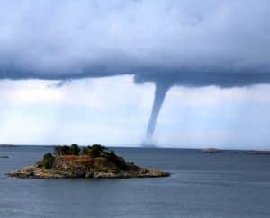 دراسة: التغير المناخي يزيد من القوة المدمرة للأعاصير