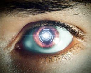 كيف تعمل العين الآلية لمساعدة ضعفاء البصر على الرؤية؟