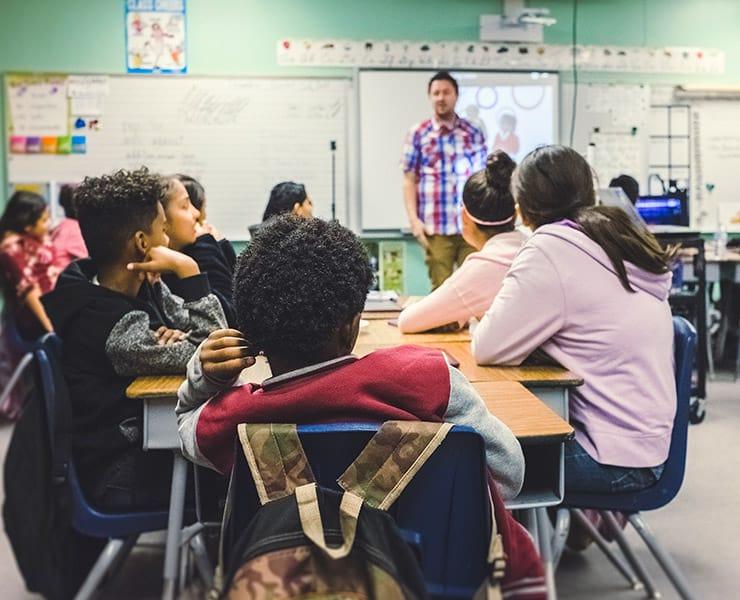 5 طرق لمساعدة الطلاب الذين يواجهون صعوبات التعلّم