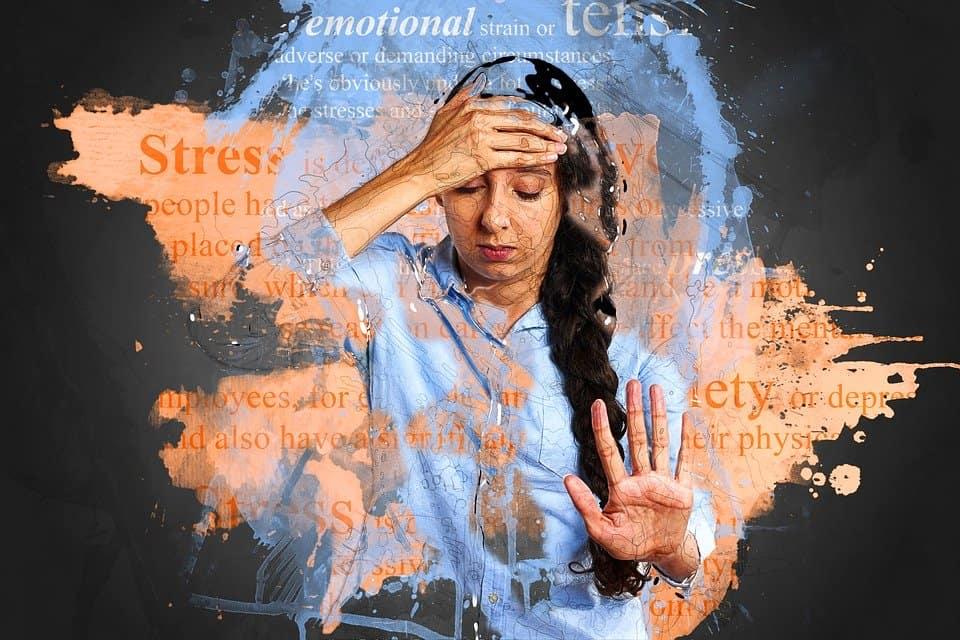 لم تعد خرافة: دراسة علمية تؤكد أن التوتر يسبب شيب الشعر