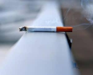 قد يزيد التدخين من خطر الإصابة بفيروس كورونا، فحافظ على رئتيك