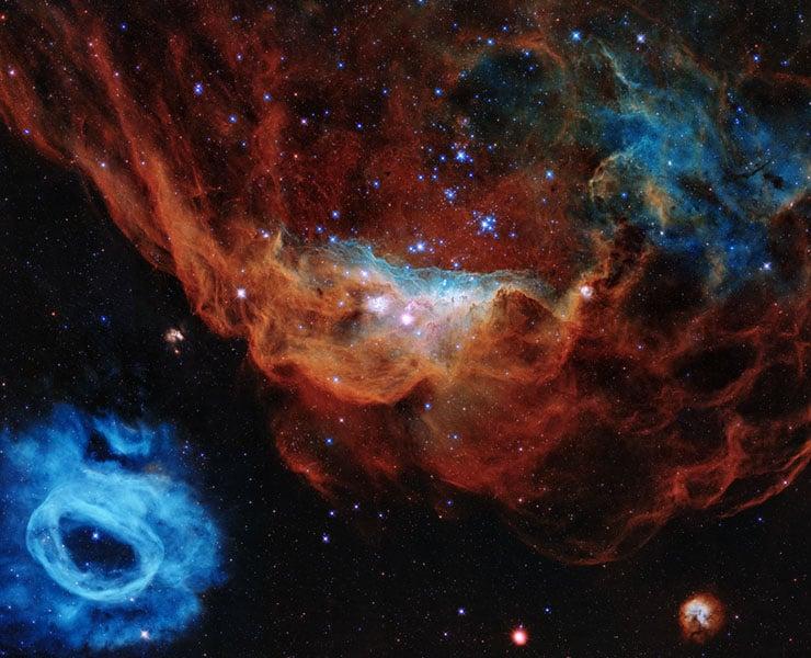 ناسا تنشر صورة كونية ساحرة في عيد ميلاد تلسكوب هابل