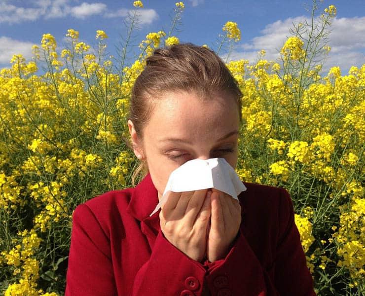 هناك اختلاف بين أعراض الحساسية والإصابة بفيروس كورونا