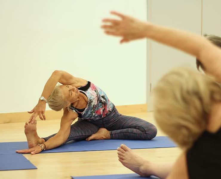 فيتامين «سي» قد يحافظ على صحة العضلات لدى كبار السن