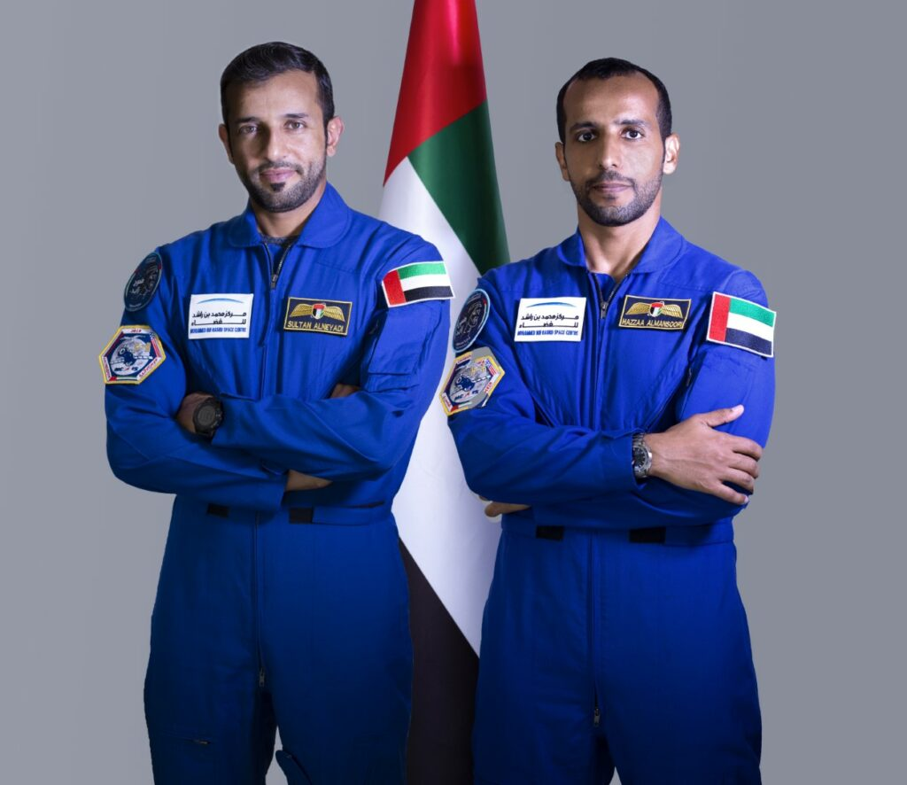 لاستكشاف الفضاء: رواد الفضاء الإماراتيون إلى «ناسا» للتدريب