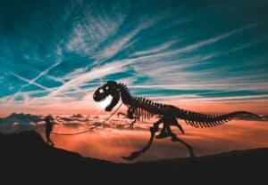 ليس الكويكب وحده: كيف ساهمت الأرض في انقراض الديناصورات؟