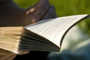 القراءة ضرورية للدماغ: تقنيات بسيطة تساعدك على القراءة