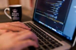 مواقع عربية مجانية لتعلم البرمجة من الصفر
