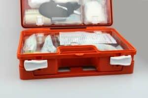 كيف تجهز حقيبة إسعافات أولية لبيتك ورحلاتك؟