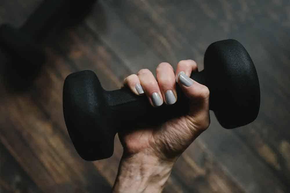 هكذا تخبرك قوة قبضة يدك الكثير عن صحتك