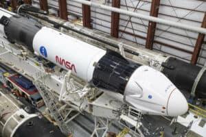 الطاقم التجاري الأول من ناسا يصل محطة الفضاء الدولية