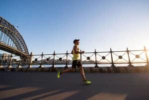 ما هي الحمية الغذائية المناسبة تحضيراً للجري مسافات طويلة؟