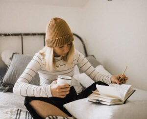 أثناء الدراسة عن بُعد: 4 نصائح للتوقف عن المماطلة والتسويف