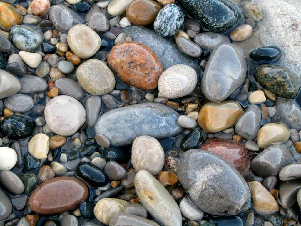 أنواع الصخور وخصائصها وطرق تشكلها