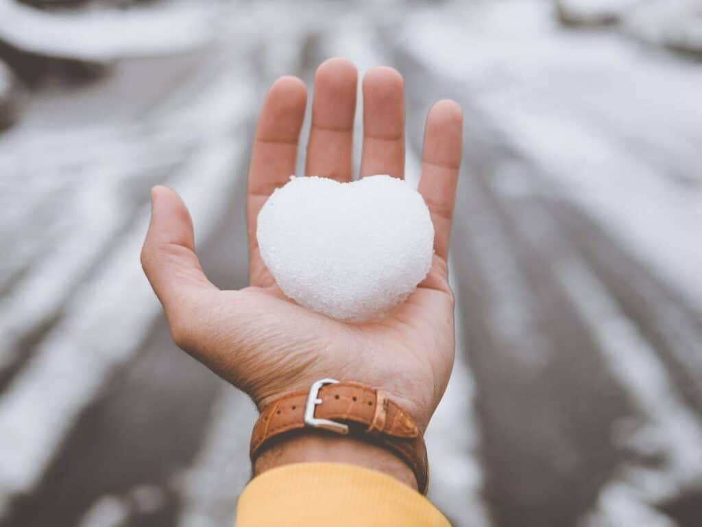 5 نصائح للاعتناء بيديك في الشتاء
