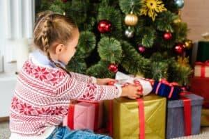 كيف تختار الهدية الأنسب لطفلك؟