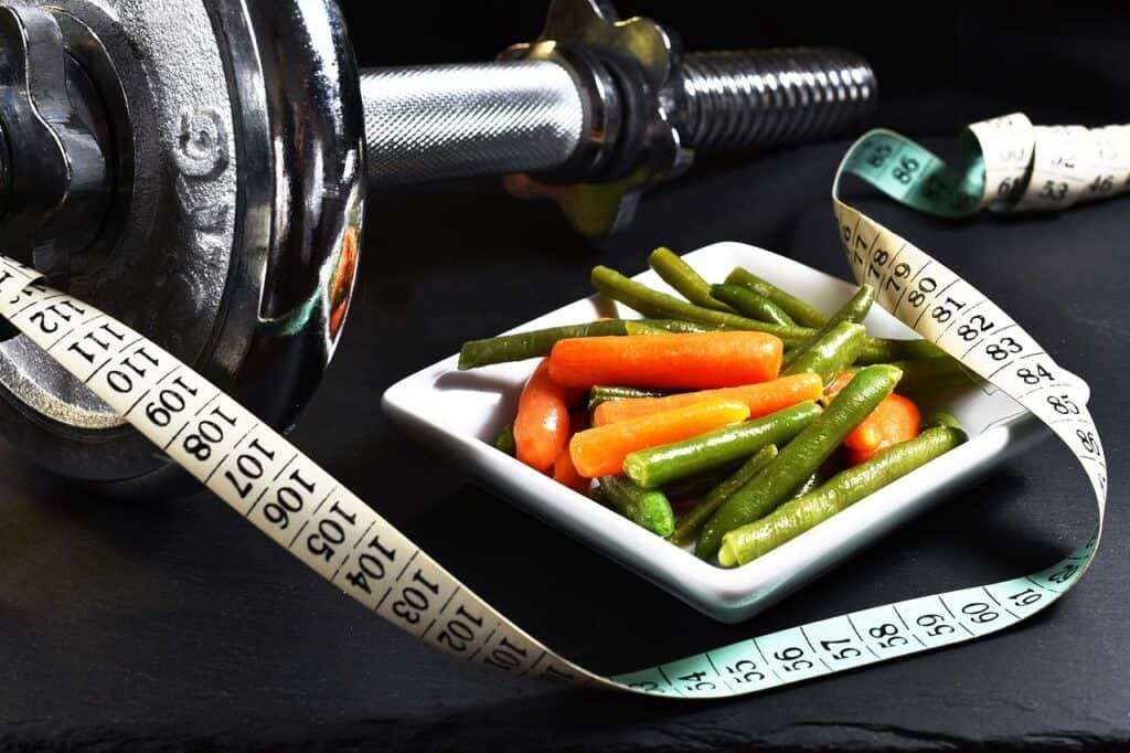 النوم والزرنيخ والديدان: أغرب الأنظمة الغذائية لإنقاص الوزن