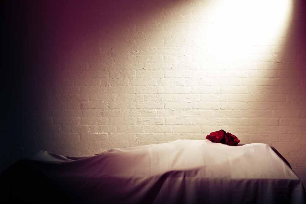 أسئلة منتصف الليل: ما مصير الجسد بعد الموت؟