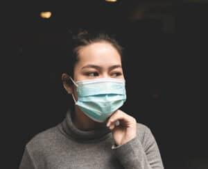 كيف تتجنب حبوب الوجه بسبب الكمامة؟