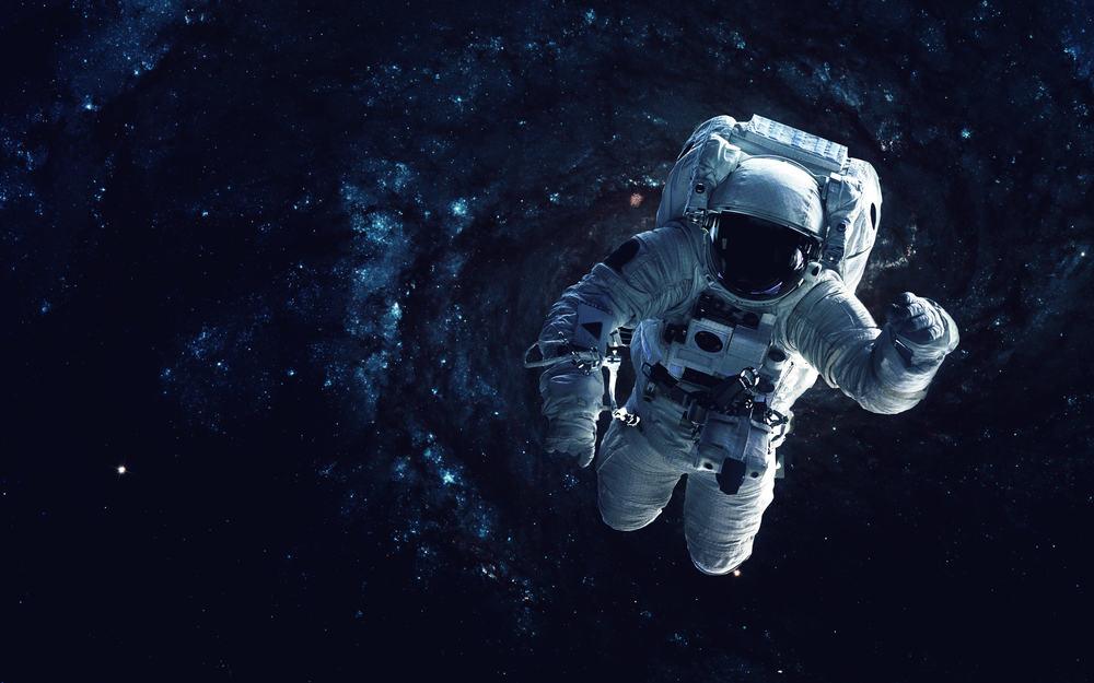 الثقب الدودين الزمكان، الفضاء