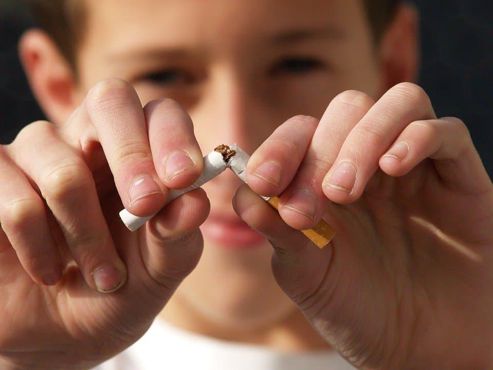 حتى يطير الدخان: أسباب وطرق الإقلاع عن التدخين